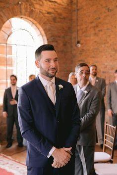 """""""Aproveitamos cada segundo de tudo""""   Giulia e Felipe Suit Jacket, Breast, Suits, Jackets, Fashion, Wedding Spot, Wedding Website, Dream Dress, Dream Wedding"""