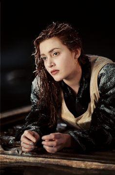 Rose DeWitt Bukater (Kate Winslet) in Titanic Titanic Photos, Titanic History, Titanic Kate Winslet, Chica Cyborg, Titanic Behind The Scenes, Titanic Costume, Leonardo Dicaprio Kate Winslet, Titanic Survivors, Indie Movies
