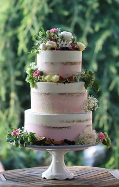 Remarkable Wedding Cake How To Pick The Best One Ideas. Beauteous Finished Wedding Cake How To Pick The Best One Ideas. Wedding Cake Rustic, Rustic Cake, Beautiful Wedding Cakes, Beautiful Cakes, Romantic Wedding Cakes, White Wedding Cakes, Purple Wedding, Gold Wedding, Cupcake Cakes