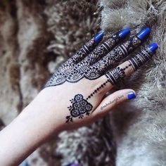 Mehndi Art, Henna Mehndi, Henna Art, Hand Henna, Mehendi, Henna Designs Easy, Beautiful Henna Designs, Tattoo Designs, Unique Henna