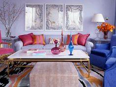 salón muy colorido y confortable