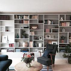 design home interior Home Library Rooms, Home Library Design, Home Libraries, Home Office Design, Home Interior Design, Living Room Wall Units, Bookshelves In Living Room, Home Living Room, Living Room Designs