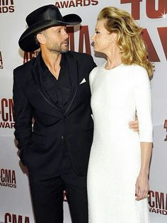 My other favorite couple of country! Faith & Tim!! Awesome concert!  they throw a party!! ♡