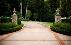 Stately Garden Gives a Nashville Home an English Estate Feel Driveway Entrance Landscaping, Driveway Design, Driveway Gate, Outdoor Landscaping, Outdoor Gardens, Landscaping Ideas, Formal Gardens, Front Gates, Entrance Gates