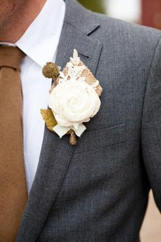 Trajes y accesorios para el novio