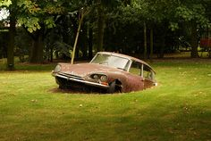 Citroen DS buried in the ground by GERALT.NL, via Flickr • citroen DS