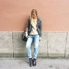 tifmys - Gypsy leather jacket, Second Female knit, H&M Boyfriend jeans and Chelsea boots & Coccinelle Bilbao bucket bag.