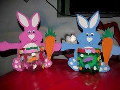 Lindos dulceros reutilizando botellas de PET - Dale Detalles Easter Party, Pikachu, Desk Arrangements, Party, Bottles, Cute, Photos, Blue Prints, Manualidades