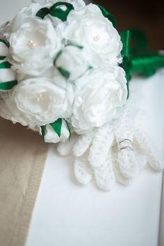 Букет невесты с цветами ручной работы из ткани и натурального жемчуга. Первая Мастерская Брошь-Букет в Санкт-Петербурге.