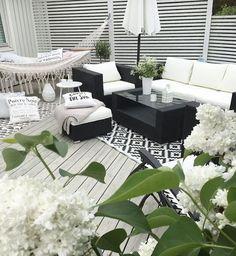 Cute back porch chill area