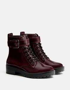 Bershka United States - Biker ankle boots with buckles Pretty Shoes, Cute Shoes, Me Too Shoes, Shoes Heels Boots, Heeled Boots, Dream Shoes, Cool Boots, Black Ankle Boots, Comfortable Shoes