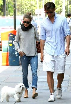 Olivia Palermo wearing Westward Leaning Children of California Sunglasses, Paige Denim Lydia Skinny Jeans in Riley with Knee Slash, Pretty Ballerinas Montreal Snake Flats, Mulberry Lily Boucle Tweed Shoulder Bag and Zadig & Voltaire Reglis C Cashmere Sweater in Snow.