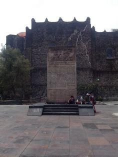 Plaza las tres culturas