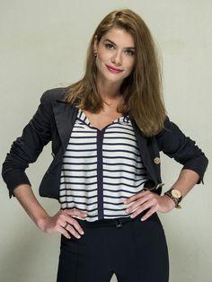 Lívia, personagem de Alinne Moraes, só usa looks lacradores no melhor estilo básico/ urbano http://gshow.globo.com/