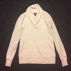 Tommy Hilfiger white hoodie size xs Plain white long sleeve hoodie with pocket. Only worn once. Size xs by Tommy Hilfiger Tommy Hilfiger Tops Sweatshirts & Hoodies