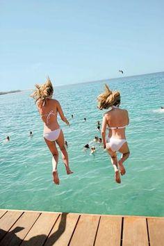 Summer photo ideas. Beach Style - 75 Beachy Ideas For Your Summer Lookbook - Style Estate -