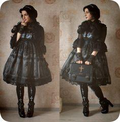 alessfm:  my favorite dark daily - outfits