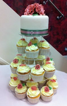 Roses and petals wedding cake and cupcakes