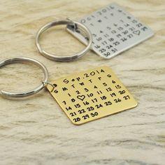 nice Porte-clés Style  Calendrier en alliage doré ou argenté