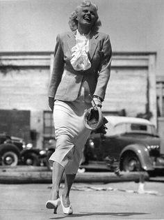 U.S. Jean Harlow, 1930 // by Martin Munkácsi