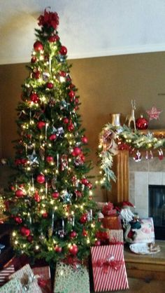 Hey gorgeous Christmas tree all the trimmings the whole house looks like a festive Christmas