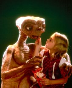 ET 1982. one of the BEST movies EVER made. EVER. I am an E.T. girl forever.