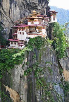The amazing location of Tiger's Nest Monastery in Bhutan