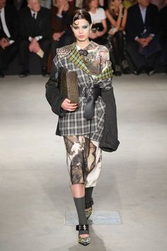 Antonio Marras aposta no mix de estampas para o inverno 2018 - Vogue | Desfiles