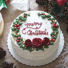 cake decorating 348606827407728490 - ideas cake decorating ideas buttercream christmas Source by Christmas Themed Cake, Christmas Cake Designs, Christmas Cake Decorations, Christmas Sweets, Holiday Cakes, Noel Christmas, Holiday Desserts, Christmas Baking, Christmas Cookies