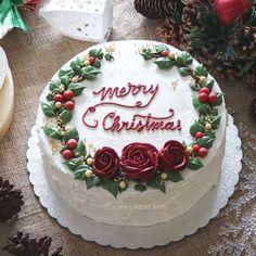 cake decorating 348606827407728490 - ideas cake decorating ideas buttercream christmas Source by Christmas Themed Cake, Christmas Cake Designs, Christmas Cake Decorations, Christmas Cupcakes, Christmas Sweets, Holiday Cakes, Noel Christmas, Christmas Baking, Xmas Cakes