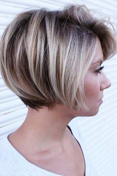 There is no doubt that there are hundreds of cute short haircuts out there waiting for you. We created this exclusive list of top short haircuts to ease your life and to help you come up with a perfect choice! Short Grey Hair, Short Hair With Layers, Short Hair Updo, Short Hair Cuts For Women, Bob Updo, Short Blonde, Cute Short Haircuts, Long Bob Hairstyles, Braid Hairstyles