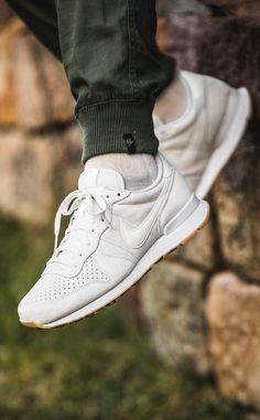 best website 71aeb b319a Nike Internationalist  White