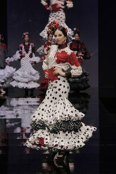 "Diseño de Aránega Moda Flamenca - Colección ""Gabrielle"". Fotografía de Chema Soler."