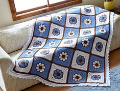 Ravelry: African Flower with 8 Petals pattern by Laura Pavy.. Free pattern!