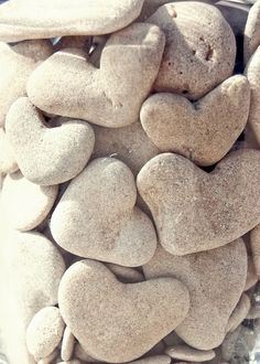 I love these heart rocks