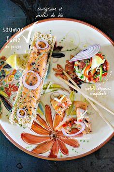 Saumon salade - Saumon fumé au poivre boulghour et tartare légumes sur kaderickenkuizinn.com Sailing Party, Quiches, Pizza, Ethnic Recipes, Food, Salads, Cooking Food, Bulgur, Pepper