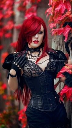 Love this hair...and the corset