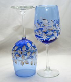 Christina: remember these glasses at dollar tree? paint your own glassware! Decorated Wine Glasses, Hand Painted Wine Glasses, Blue Wine Glasses, Crystal Vase, Glass Art, Art Crafts, Google Images, Bing Images, Donna Dewberry
