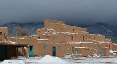 Pueblo Architecture in Taos, New Mexico Ruidoso New Mexico, Taos New Mexico, New Mexico Santa Fe, Taos Pueblo, Land Of Enchantment, Southwest Art, World Heritage Sites, Day Trips, Architecture