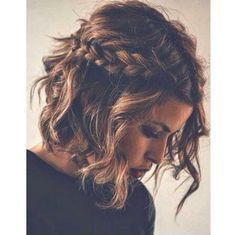 #HairCrush #ShortHair #Brunette #SideBraid #Braid #Waves #WavyHair #Curls