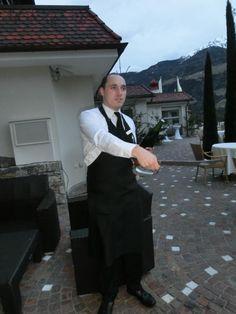 Weinverkostung mit Sommelier Matthias im Dolcevita Hotel Preidlhof - Seeteufel Zubereitung http://www.preidlhof.it/