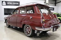 This 1967 Saab 95 is already several years appearing in various car auctions in North America, and changed owners at a high price - usually the selling price. Victorian Dollhouse, Modern Dollhouse, Saab Automobile, Veteran Car, Vintage Paper Dolls, Love Car, Car Photos, Volvo, Cars And Motorcycles