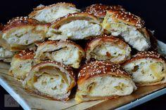 Minipateuri cu branza sarata - CAIETUL CU RETETE Puff Pastry Recipes, Carne, Cauliflower, French Toast, Food And Drink, Appetizers, Cooking Recipes, Yummy Food, Bread