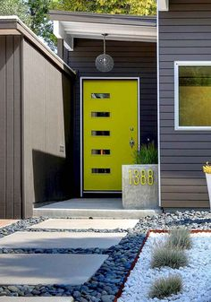 Best Front Door Paint Colors – Popular Colors To Paint An Entry Door. Most exterior paint colors and materials lean toward neutral shades, so a colorful front door is a chance to express your personal style through a central exterior. Door Paint Colors, Exterior Paint Colors For House, Paint Colors For Home, Exterior Colors, Siding Colors, Yellow Front Doors, Front Door Colors, Green Doors, Bright Front Doors