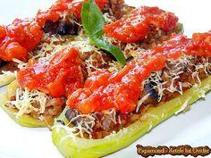 Dovlecei umpluti cu ciuperci, orez şi branză | Papamond Recipe Collector, Recipe For 4, Japchae, Soul Food, Food To Make, Rustic Kitchen, Spaghetti, Meat, Chicken