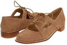 Currently obsessed with oxfords, this would be so cute for summer/fall