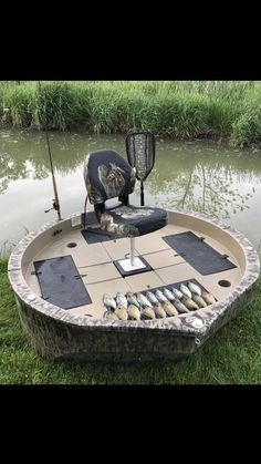 The best round boat on the market today. The only round boat with a 2 seat option, sun shade & Fishing Cart, Fishing Guide, Kayak Fishing, Fishing 101, Fishing Charters, Sea Fishing, Outdoor Survival Gear, Camping Survival, Round Boat