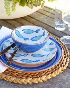 Beach Pretty House Style: Showstopping Blue & White Tablescapes for Summer Entertaining Coastal Cottage, Coastal Style, Coastal Decor, Coastal Living, Nautical Home, Decoration Table, Beach House Decor, Nantucket, Love Is Sweet
