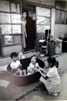 Exceptional collection of daily life photos by Kim Ki Chan [사진작가] 김기찬(金基贊, 1938-2005)