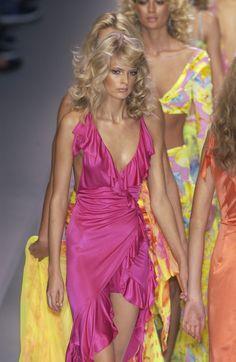 Couture Fashion, Runway Fashion, High Fashion, Fashion Show, Fashion Outfits, Fashion Design, Milan Fashion, 90s Fashion, Aesthetic Fashion